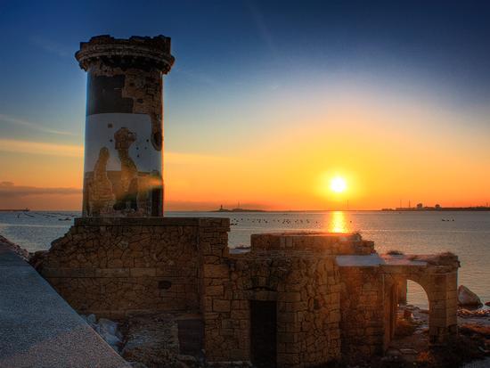 Vecchio Faro, nuovo giorno - Brindisi (3155 clic)