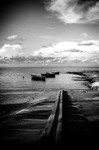 Spiaggia in bianco e nero - Brindisi (10031 clic)