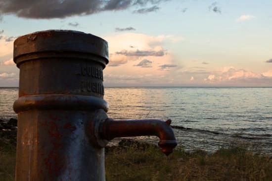 l'acqua e il mare - Brindisi (2405 clic)