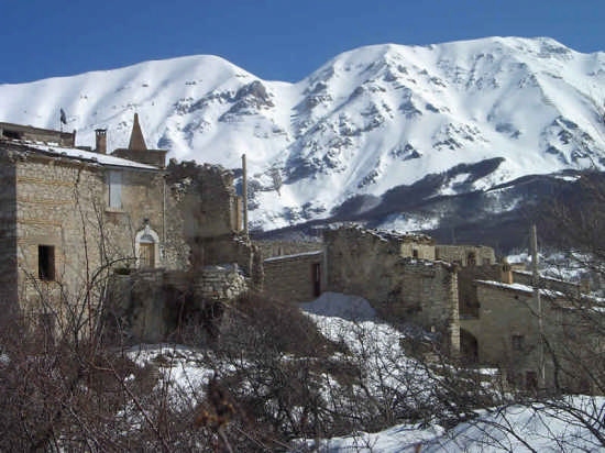 Il Castrum - Roccacaramanico (3723 clic)