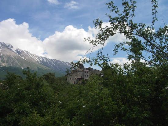 Il borgo di pietra - Roccacaramanico (2256 clic)