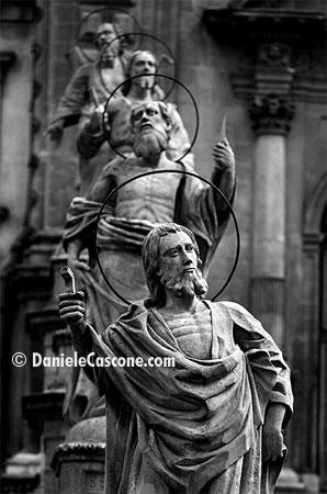 Chiesa di San Pietro - Statue - Modica (6619 clic)