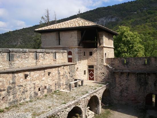 Castel Thun torre di nord est - Ton (1989 clic)