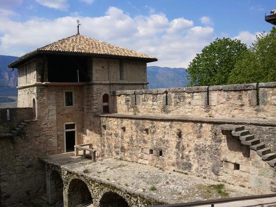 Castel Thun torre di nord ovest - Ton (1793 clic)
