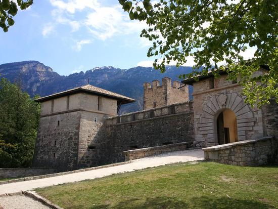 Castel Thun esterno - Ton (2249 clic)