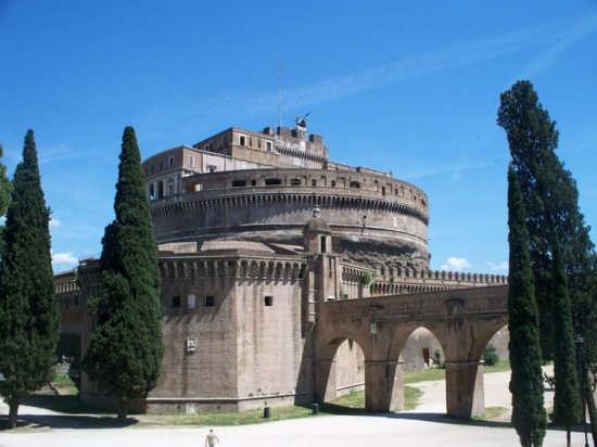 Passaggio da Castel San Angelo al Vaticano - Roma (2441 clic)