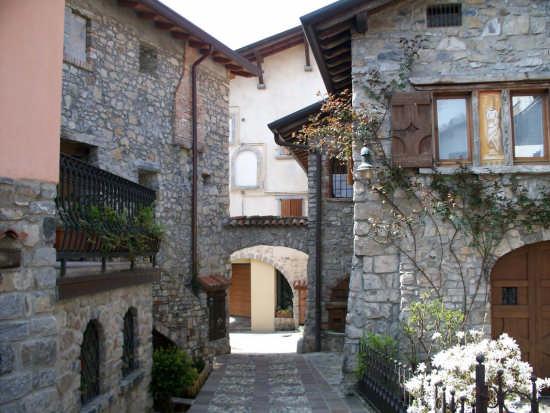 Borgo antico - Selvino (5423 clic)