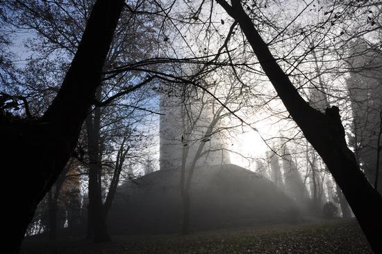 La Rocca tra sole e nebbia. 3 - Solferino (442 clic)