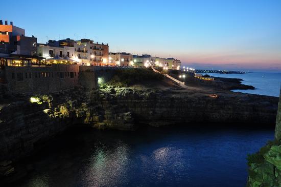 Polignano a mare, dopo il tramonto (3214 clic)
