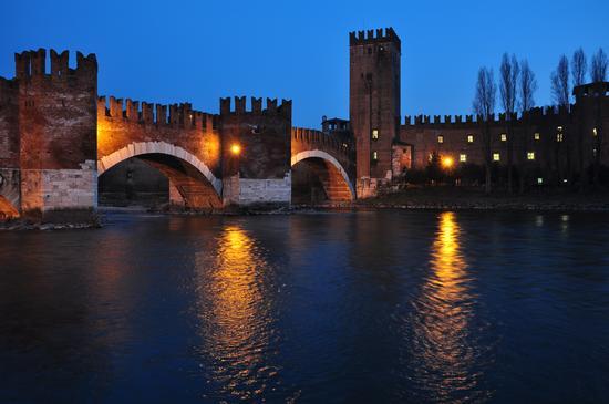 Il ponte scaligero - Verona (4115 clic)