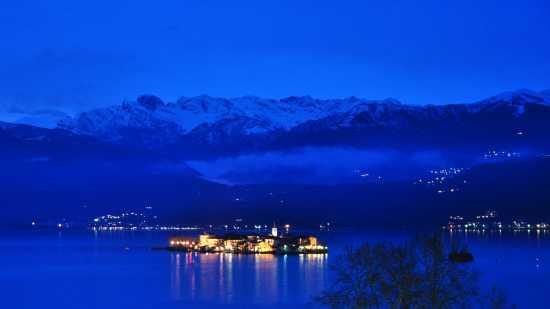 Isola dei Pescatori, dalla terrazza Hotel Royal - Stresa (5236 clic)