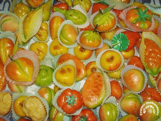 ROSOLINI:Frutta martorana (4263 clic)