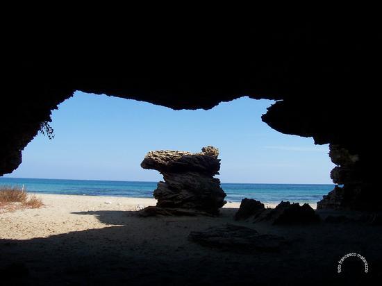 Cittadella: dietro le grotte - VENDICARI - inserita il 18-Apr-13