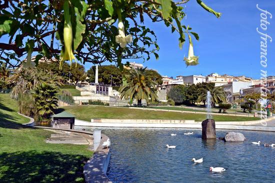 ROSOLINI: PANORAMICHE-VERDE ATTREZZATO (2423 clic)