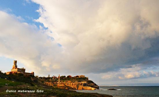 PORTOPALO DI CAPO PASSERO:Castello Tafuri e tonnara (2722 clic)