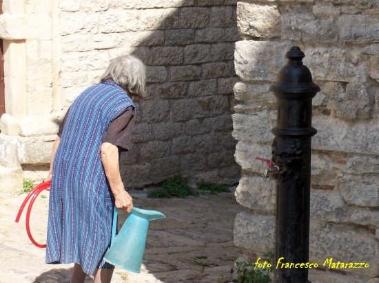 vecchia..... fontana - Erice (3122 clic)