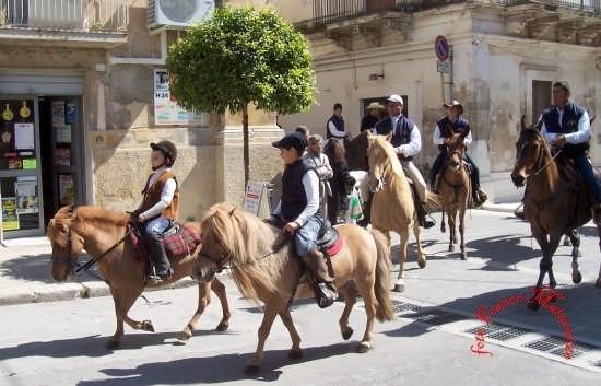 ROSOLINI:Festa di San Giuseppe (5529 clic)