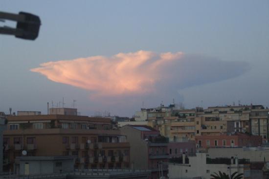 Atomica  urbana...... - Cagliari (2108 clic)