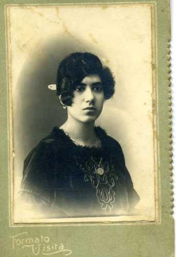 Donne di fine ottocento - Trinitapoli (5876 clic)
