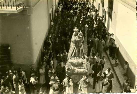 Devozione popolare anni trenta - Trinitapoli (1708 clic)