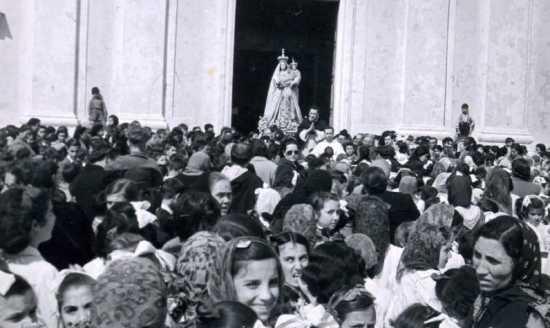 Devozione popolare anni trenta - Trinitapoli (1833 clic)