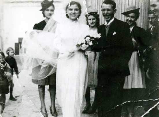 scene da un matrimonio( i miei suoceri) - Trinitapoli (4043 clic)