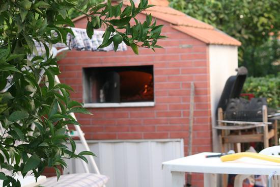 Si accende il forno - Trinitapoli (1636 clic)