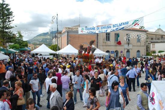 42° Sagra delle ciliegie 12 giugno 2011 - Chiusa sclafani (2565 clic)