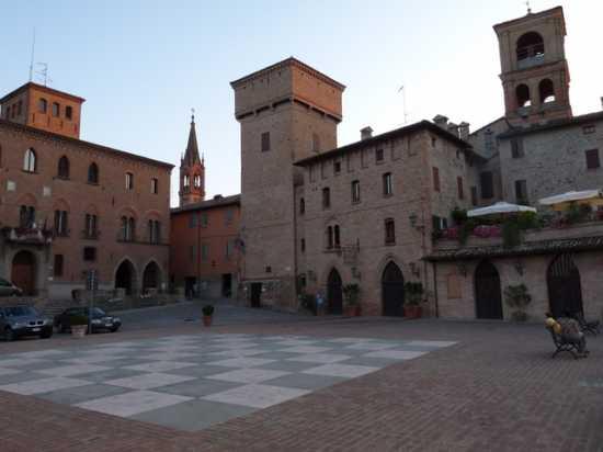 Castelvetro - Castelvetro di modena (4343 clic)