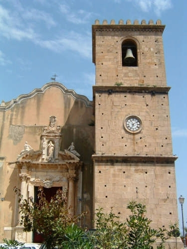 Il Duomo  - prospetto pricipale - - Castroreale (2731 clic)