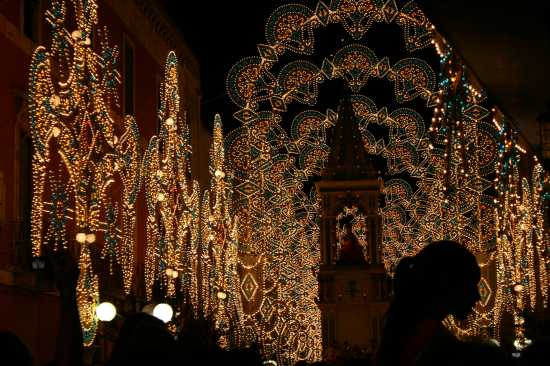TURI FESTA PATRONALE SANT'ORONZO  (4108 clic)