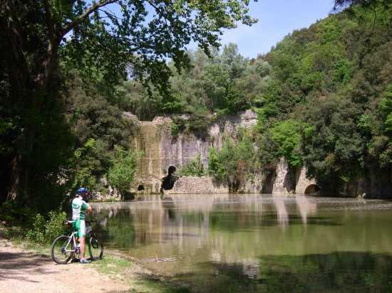 Diga medioevale della Para nel Parco del Rio Grande - Amelia (5780 clic)