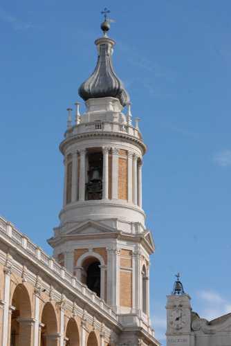 campanile - LORETO - inserita il 26-Oct-09