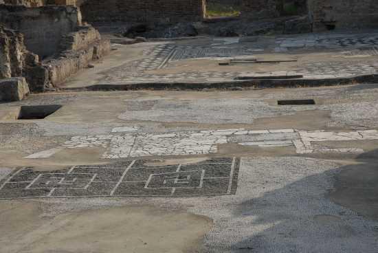 mosaici romani - Sibari (3849 clic)