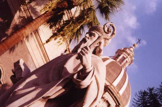 statua piazza duomo catania (2666 clic)