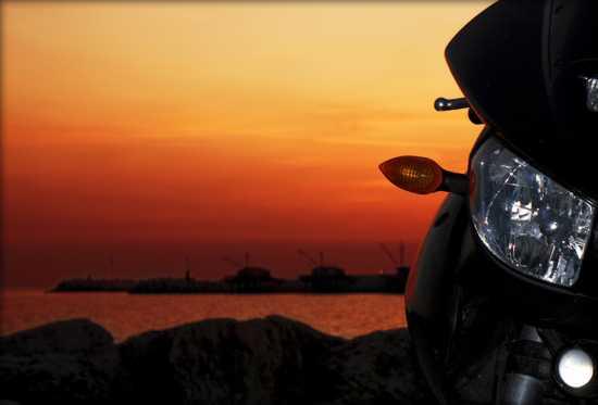 Motopasseggiata al porto di Fano (3561 clic)
