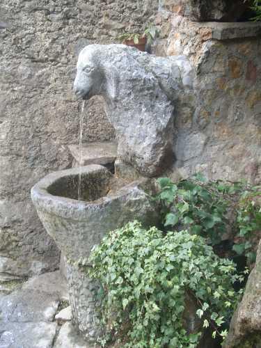 fontana - Rotonda (1939 clic)