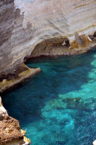 Lampedusa, faraglioni al Sacramento -  - inserita il 26-Aug-13