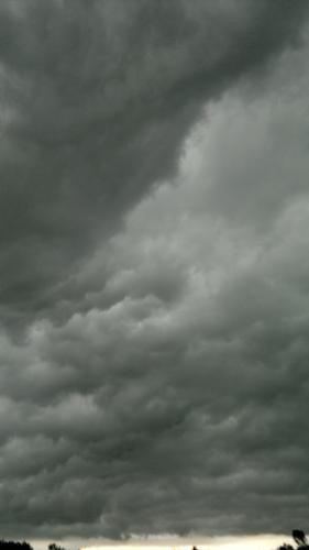 Campagne  nel temporale (470 clic)