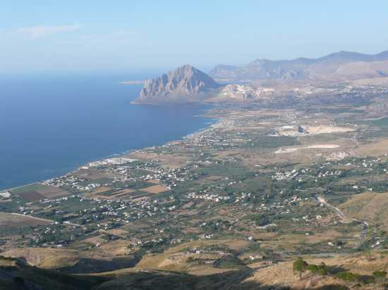 Monte Cofano e distesa di mare fino a Cornino (TP) (5602 clic)