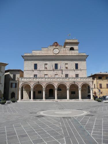 Montefalco (Pg) (3340 clic)