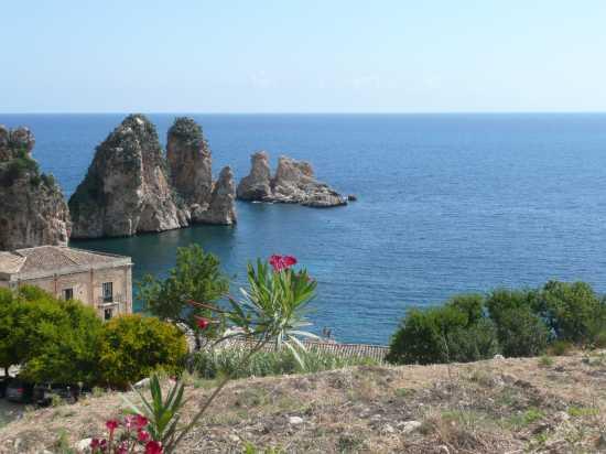 Faraglioni a Scopello  (TP) (4494 clic)
