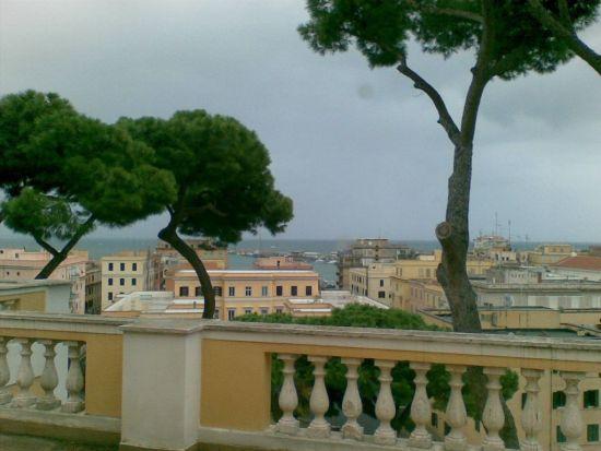 La finestra sul porto - Anzio (3591 clic)