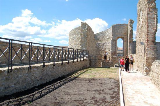Interno del Castello_02 - Ortona (2068 clic)