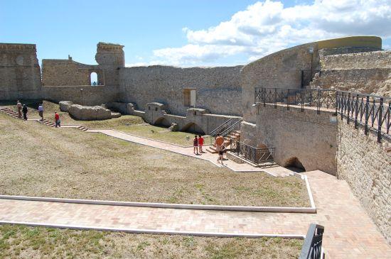 Interno del Castello_05 - Ortona (2076 clic)