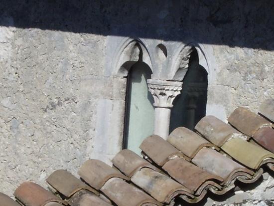 Bifora nella casa di Tommaso - Roccasecca (1890 clic)