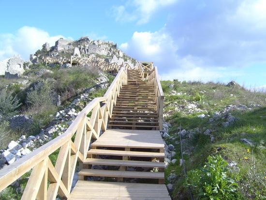 Sentiero e scale in legno_02 - ROCCASECCA - inserita il 07-Sep-09
