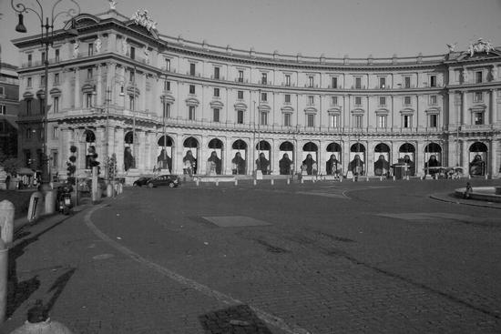 I portici di sinistra di Piazza della Repubblica - Roma (2393 clic)