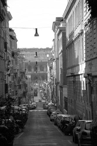 ...ed in fondo, il Colosseo - Roma (1872 clic)