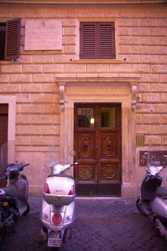 Via Baccina-Casa natale di Ettore Petrolini - Roma (1994 clic)